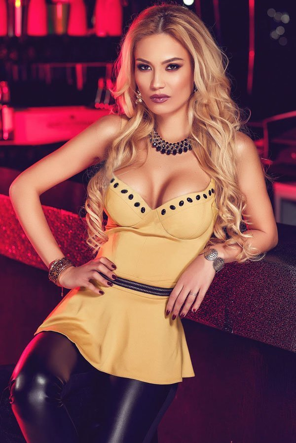 http://www.sex-dresses.com/wp-content/uploads/2016/06/Women-V-Neck-Flare-Sexy-Strap-Club-Tops.jpg