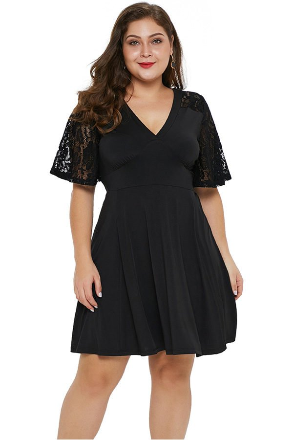 Hualong Elegant Lace Short Sleeve Plus Size Black Skater Dress